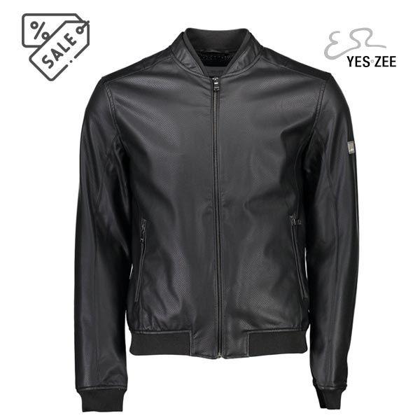 Giacca sportiva nera marca Yes zee - Giacca sportiva nera marca Yes zee. Giacca da uomo realizzata in ecopelle traforata, linea sportiva. Nera. Colletto doppio, tasche laterali con zip.